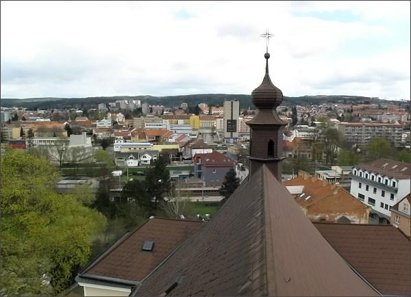 Pohled z věže kostela sv. Martina na střed Blanska