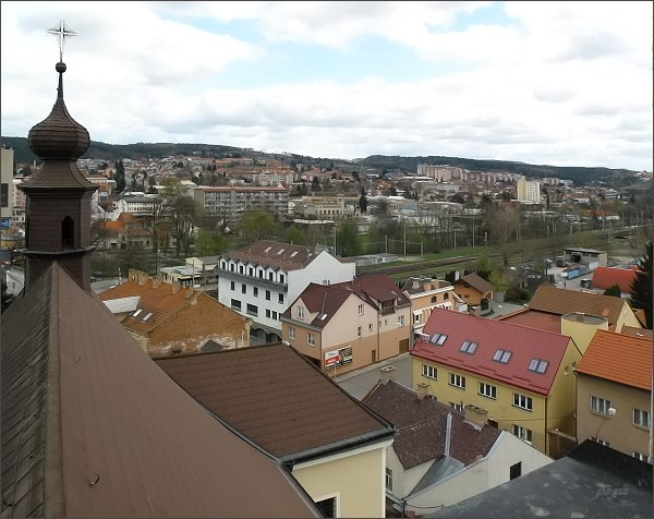 Pohled z věže kostela sv. Martina na jižní část Blanska