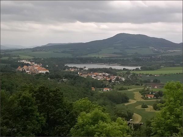 Úštěk, rybník Chmelař a Sedlo z Kalvárie