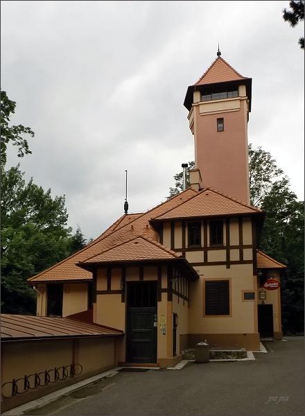 Mostná hora. Restaurace s vyhlídkovou věží