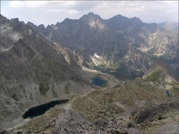 Divá veža. Pohled do Zamrznutého kotla, Litvorového kotla a Kačacej doliny