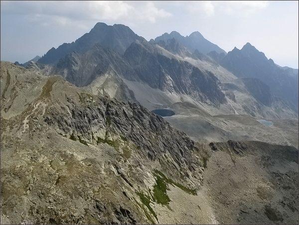 Ľadové štíty, Pyšné štíty, Lomnický štít a Prostredný hrot z Divej veže