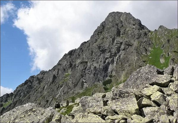 Hrubá veža z turistického chodníku v Bielovodskej doline