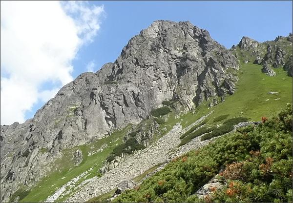 Hrubá veža od jihovýchodu, z turistického chodníku Bielovodskou dolinou