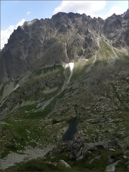 Svišťový  štít z Hrubej veže. V popředí Svišťová dolina, Hrubé plieska