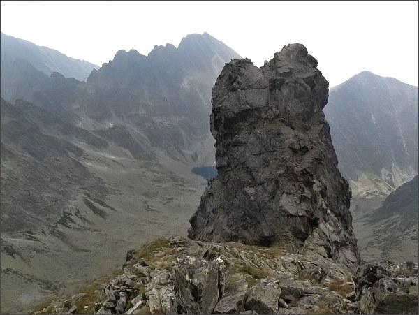 Dračí štít (oba vrcholy) z JV úbočí Vysokej