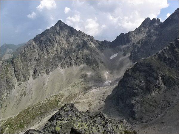 Kolový štít, Čierny štít a Čierne veže (vpravo) z Veľkej Snehovej veže