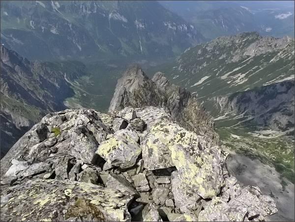 Veľká Snehová veža, pohled do Čiernej Javorovej doliny