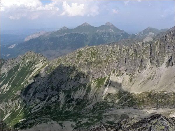 Svinka a Belianske Tatry z Veľkej Snehovej veže