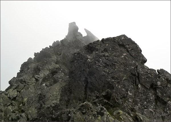 Čierne veže nad Stolarczykovým sedlom