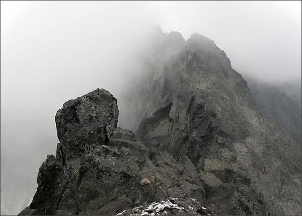 Prostredná Čierna veža. Jihozápadní vrchol ze severozápadního