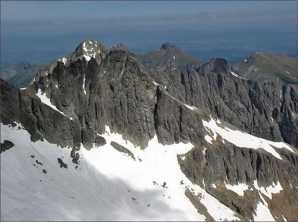 Čierny štít nad Baraňou dolinkou (pohled ze Spišského štítu)