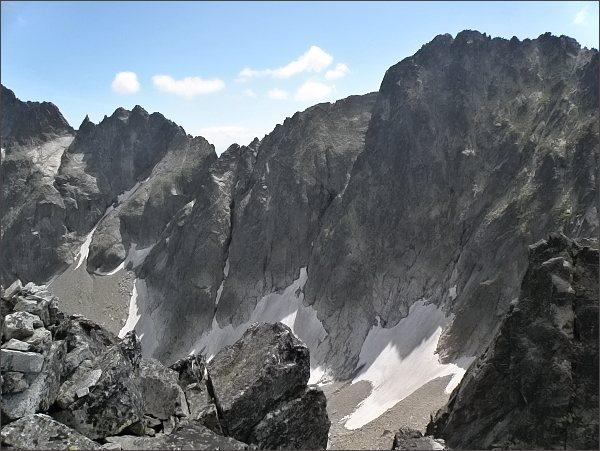 Spišská ihla, Spišský štít (vlevo), Baranie sedlo a Baranie rohy z Čierneho štítu