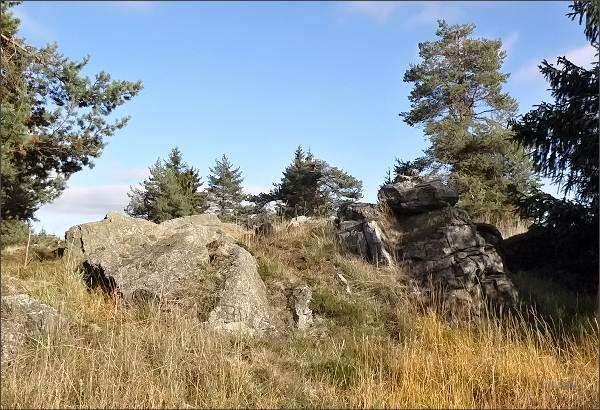 Národní přírodní památka Tři křížky. Výchozy hadce