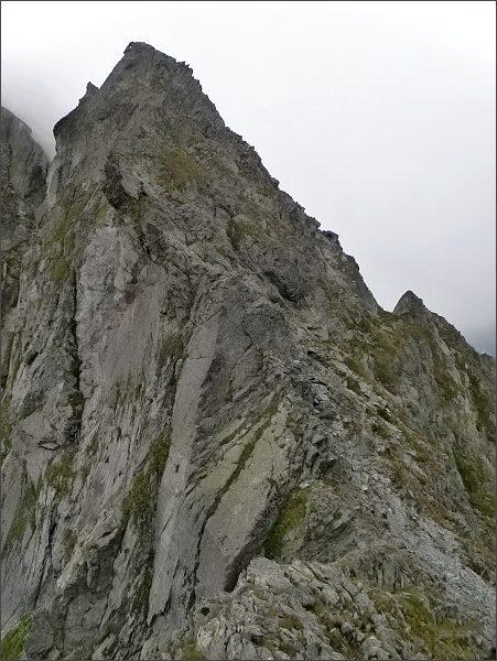 Zmrzlá veža nad Zmrzlým sedlom
