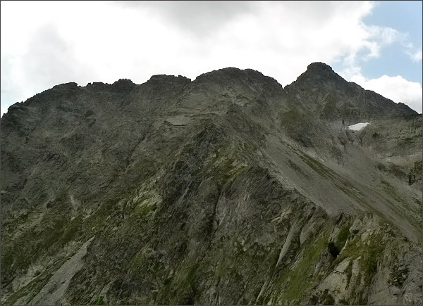 Karbunkulový hrebeň a Kolový štít zpod Jahňacieho štítu