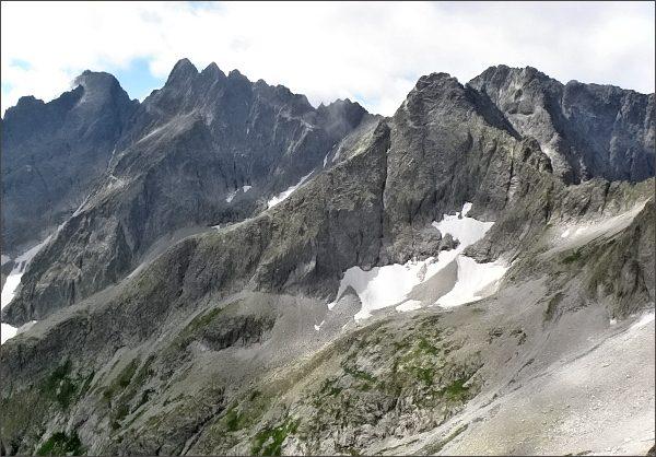 Baranie rohy (vpravo), Čierny štít a rozsocha Lomnického štítu z Malého Kolového štítu