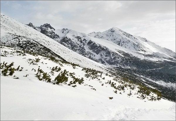 Slavkovský štít zpod Batizovskej doliny