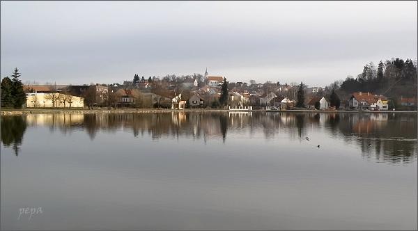 Rybník Olšovec a Jedovnice
