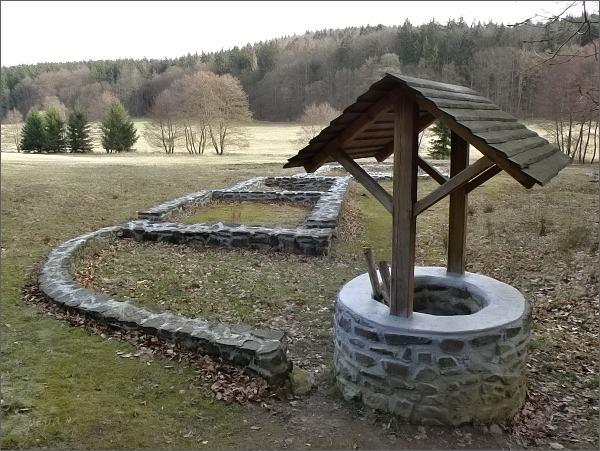 Bývalá obec Bystřec v Rakoveckém údolí