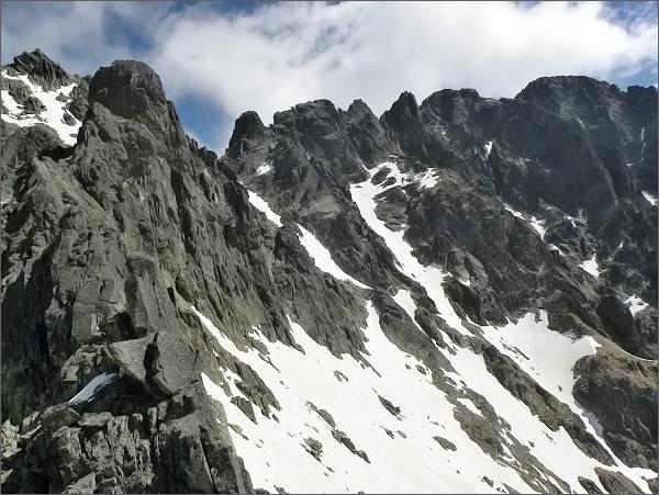 Spišský štít a Zadná Mačacia veža (vlevo) z Mačacej veže