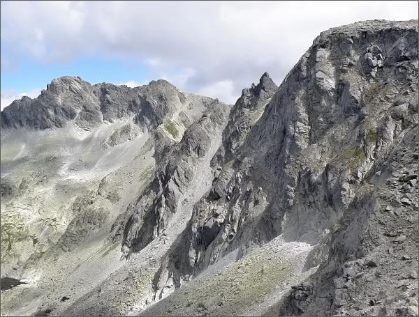 Furkotské veže (uprostřed) od Nefcerského sedla