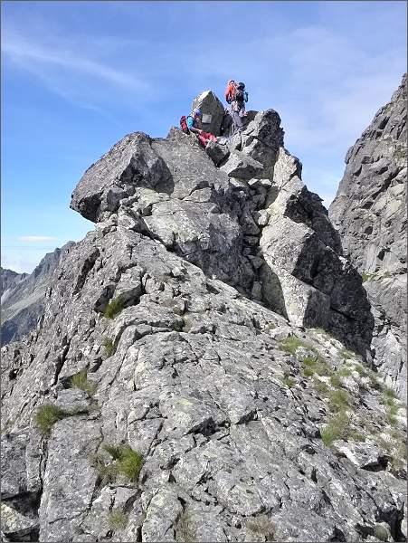Horolezci na východní hraně Žabieho koňa