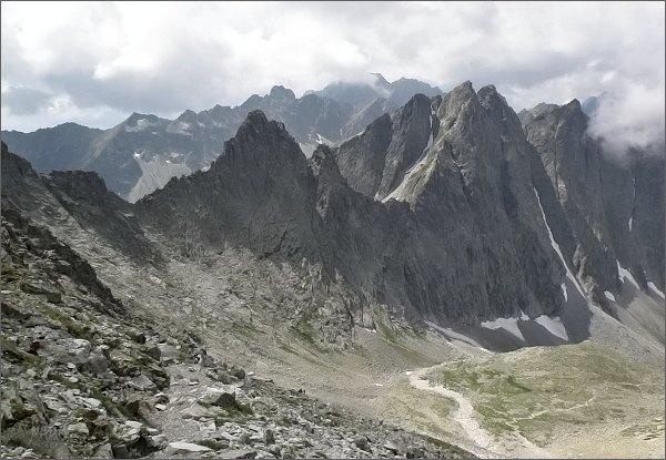 Biela lávka, Ostré štíty a Javorové štíty nad Zadnou Javorovou dolinou
