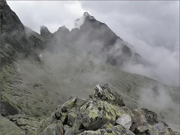 Prostredný hrebeň (nejvyšší Prostredný hrot) z Ostrého štítu