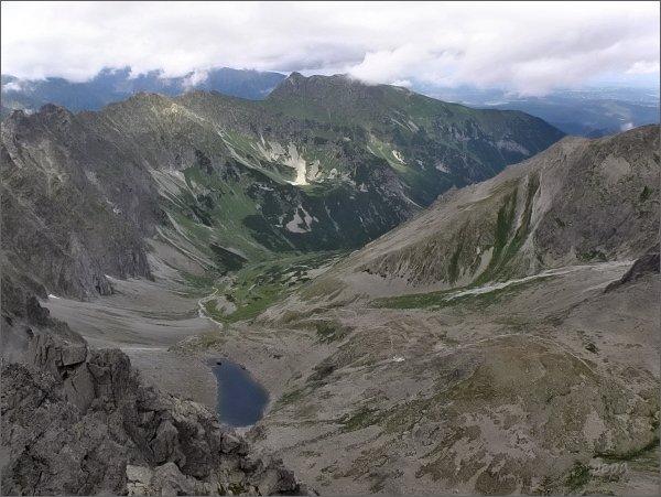 Javorová dolina s masívem Širokej z Ostrého štítu