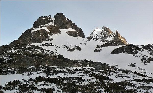 Ošarpance (vpravo), Dračí štít a Vysoká zpod Zlomiskovej veže