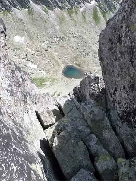 Puklina Veľkého Ošarpanca. Pohled do Rumanovej doliny