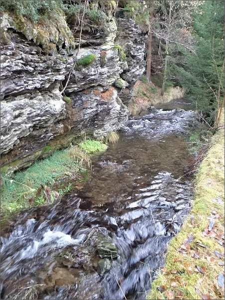 Johanngeorgenstadt / Potůčky. <br>Soutěska Blatenského potoka ve fylitovém podloží