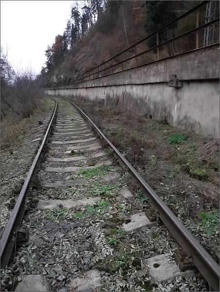 Železniční trať z Vojkovic nad Ohří do Kyselky