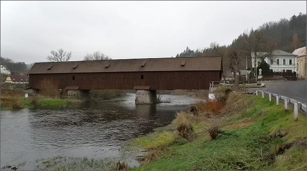 Radošov. Dřevěný most přes Ohři
