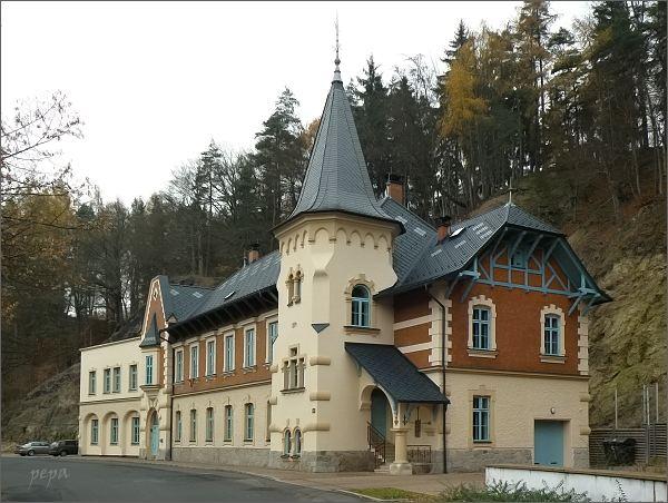 Kyselka, obytný dům Stallburg