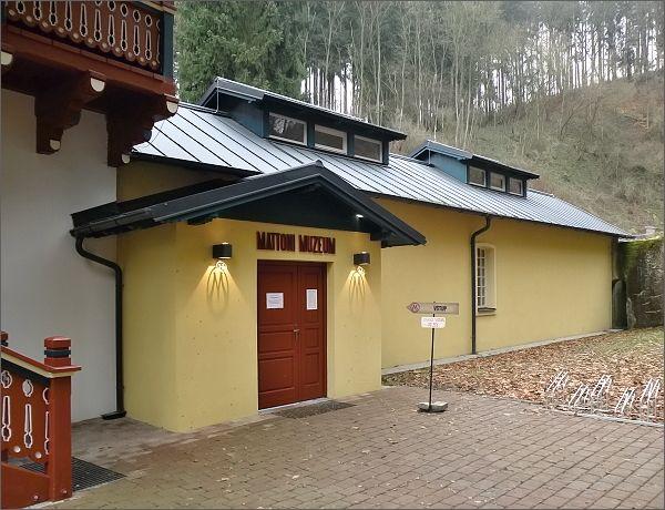 Kyselka, pavilon Löschner. Muzeum stáčení minerálních vod a firmy Mattoni