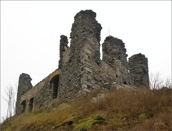 Hrad Andělská hora, pozůstatky obytné věže hradu