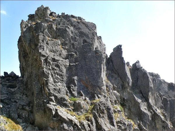 Veža nad Ohniskom, vrcholový masív
