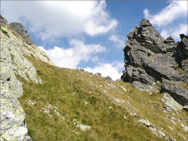 Kostolníkova vežička a Kostolníkov priechod ze strany Veľkej Studenej doliny