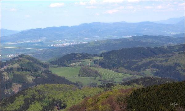 Veřovické vrchy z rozhledny na Kelčském Javorníku