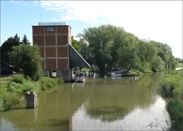 Baťův kanál. Výklopna uhlí v Sudoměřicích