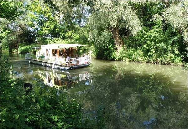 Plavba na Baťově kanálu
