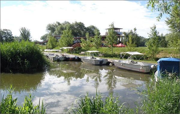 Na kole podél Moravy a Baťova kanálu z Hodonína do Kroměříže