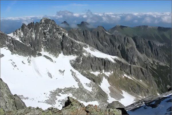 Pohled z Ovčiarskej lávky na severní stranu Tatier