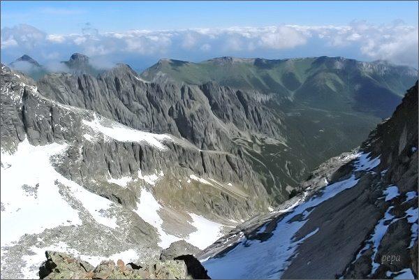 Veľká Zmrzlá dolina a Belianske Tatry z Ovčiarskej lávky