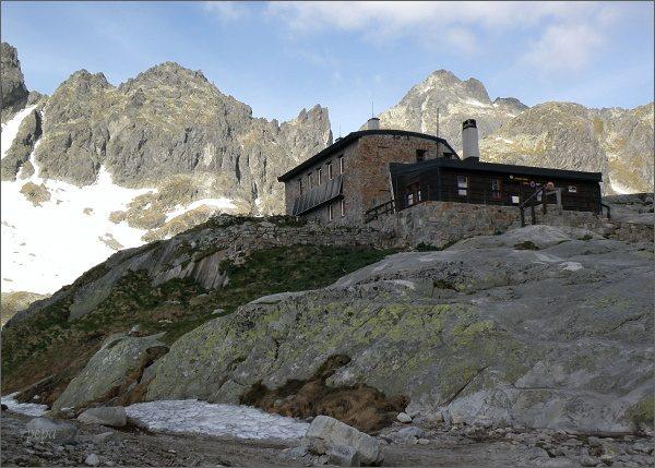 Drobná veža (vlevo) od Téryho chaty
