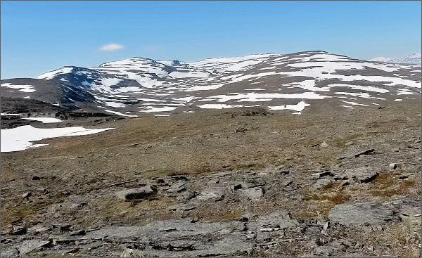 Národní park Abisko, Slåttatjåkka. Pohled k horám na západě