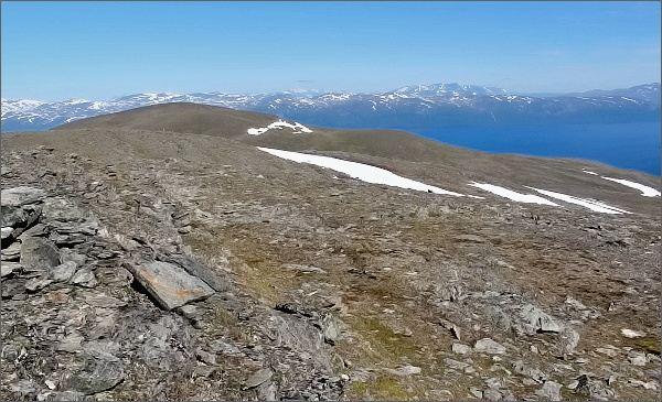 Národní park Abisko, Slåttatjåkka. Pohled na horu Nuolja
