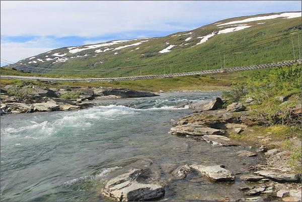 Národní park Abisko. Řeka Kårsavaggejokk